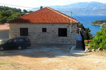 Property Splitska (Brač) - Accommodation 2867 - Apartments with rocky beach.
