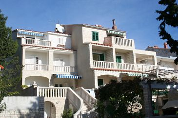 Bol, Brač, Property 2873 - Apartments and Rooms with pebble beach.