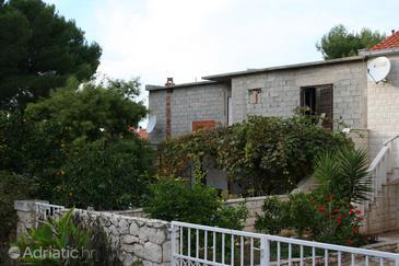 Property Mirca (Brač) - Accommodation 2908 - Apartments near sea with pebble beach.
