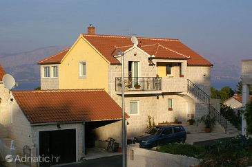 Property Postira (Brač) - Accommodation 2910 - Apartments with pebble beach.