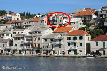 Property Povlja (Brač) - Accommodation 2933 - Apartments near sea.
