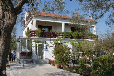 Property Sukošan (Zadar) - Accommodation 295 - Apartments near sea with pebble beach.