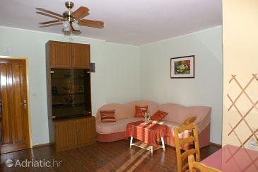 Brodarica, Living room u smještaju tipa apartment, dostupna klima i WIFI.