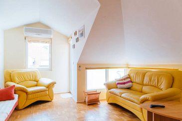 Apartment A-2975-a - Apartments Omiš (Omiš) - 2975