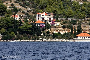 Seget Vranjica, Trogir, Property 2976 - Apartments with pebble beach.