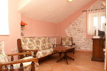 Room S-2979-a - Apartments and Rooms Trogir (Trogir) - 2979
