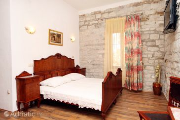 Room S-2979-o - Apartments and Rooms Trogir (Trogir) - 2979