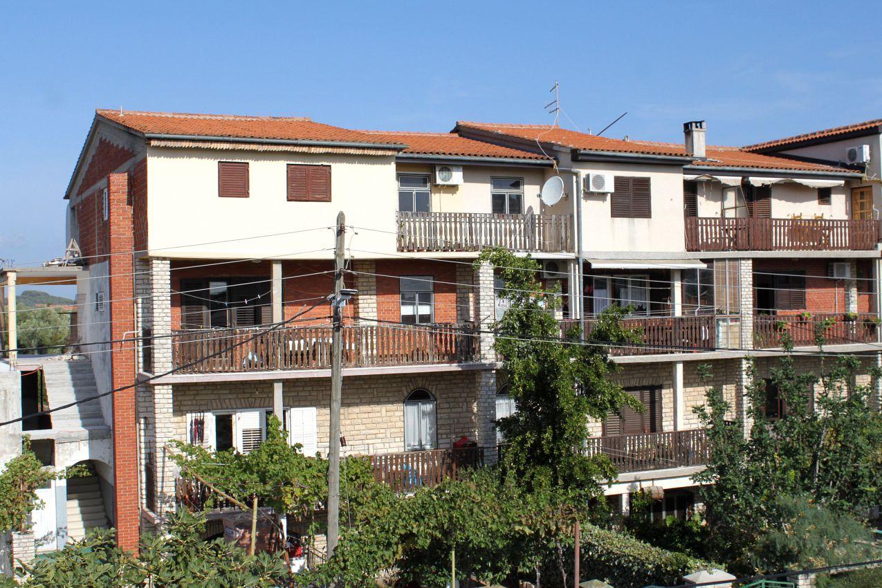 Apartmány s parkoviskom v meste Mrljane - 299