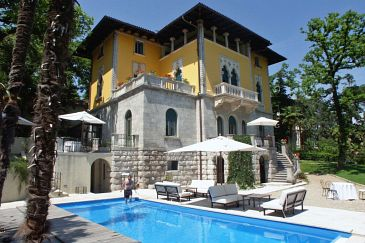 Property Lovran (Opatija) - Accommodation 3019 - Rooms near sea.
