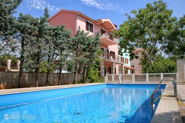 Property Krnica (Marčana) - Accommodation 3029 - Apartments with pebble beach.