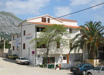Property Igrane (Makarska) - Accommodation 3056 - Apartments and Rooms near sea with pebble beach.