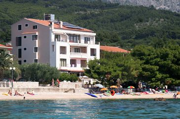 Property Tučepi (Makarska) - Accommodation 3057 - Rooms near sea with pebble beach.