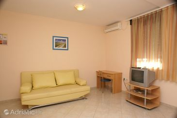 Apartment A-3076-a - Apartments Trogir (Trogir) - 3076