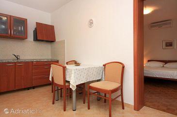 Apartment A-3102-a - Apartments Pučišća (Brač) - 3102