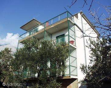 Property Tučepi (Makarska) - Accommodation 318 - Apartments near sea with pebble beach.