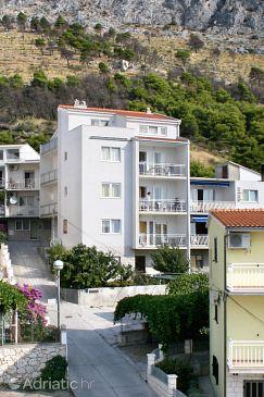 Property Duće (Omiš) - Accommodation 3190 - Apartments with sandy beach.