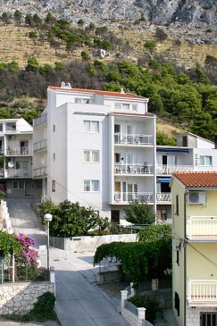 Property Duće (Omiš) - Accommodation 3190 - Apartments with sandy beach.