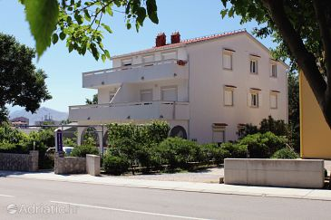Property Baška (Krk) - Accommodation 3225 - Apartments with pebble beach.