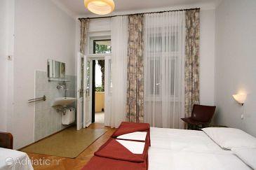Room S-3236-a - Rooms Crikvenica (Crikvenica) - 3236