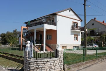 Property Sukošan (Zadar) - Accommodation 3273 - Apartments near sea with pebble beach.
