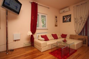 Srima - Vodice, Living room u smještaju tipa apartment, dostupna klima i WIFI.