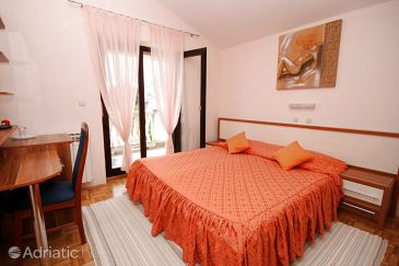 Room S-3322-a - Apartments and Rooms Seline (Paklenica) - 3322