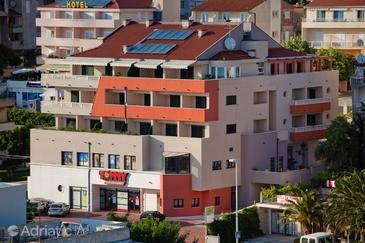Property Makarska (Makarska) - Accommodation 3336 - Apartments with pebble beach.