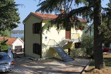 Property Dajla (Novigrad) - Accommodation 3339 - Apartments near sea with pebble beach.