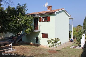 Property Dajla (Novigrad) - Accommodation 3382 - Apartments near sea with pebble beach.