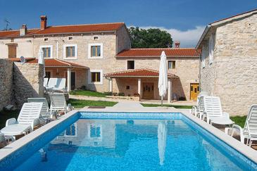 Property Orihi (Središnja Istra) - Accommodation 3415 - Vacation Rentals with pebble beach.