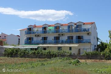Property Sućuraj (Hvar) - Accommodation 3589 - Apartments near sea with pebble beach.