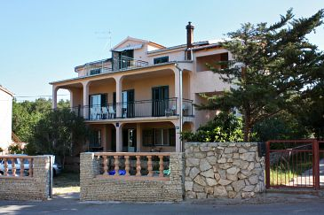 Property Biograd na Moru (Biograd) - Accommodation 368 - Apartments with pebble beach.
