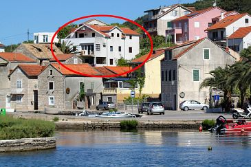 Property Vrboska (Hvar) - Accommodation 4025 - Apartments near sea with pebble beach.