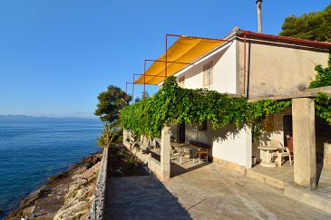 Property Uvala Vela Lučica (Hvar) - Accommodation 4034 - Vacation Rentals near sea.