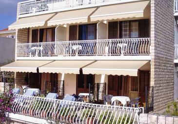 Property Hvar (Hvar) - Accommodation 4045 - Apartments with pebble beach.