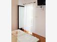 Stara Novalja, Bedroom 1 u smještaju tipa apartment, dostupna klima.