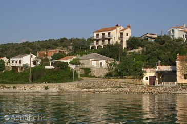 Property Jakišnica (Pag) - Accommodation 4100 - Apartments near sea with pebble beach.