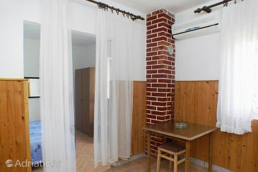 Metajna, Dining room u smještaju tipa apartment, dostupna klima, dopusteni kucni ljubimci i WIFI.