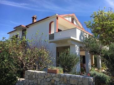 Property Vlašići (Pag) - Accommodation 4140 - Apartments with sandy beach.