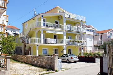 Property Vodice (Vodice) - Accommodation 4170 - Apartments with pebble beach.