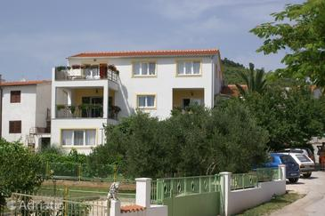 Property Tribunj (Vodice) - Accommodation 4201 - Apartments with pebble beach.