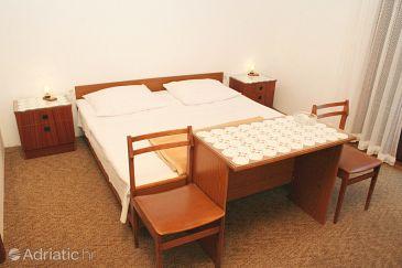 Vodice, Bedroom u smještaju tipa room, dopusteni kucni ljubimci i WIFI.