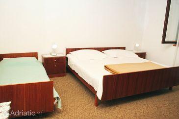 Room S-4228-b - Rooms Vodice (Vodice) - 4228