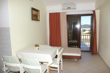 Apartment A-4240-a - Apartments Brodarica (Šibenik) - 4240