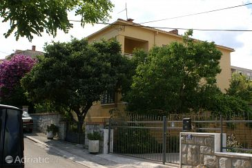 Property Split (Split) - Accommodation 4273 - Apartments with sandy beach.