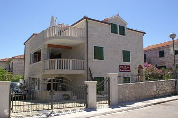 Property Supetar (Brač) - Accommodation 4274 - Apartments near sea with pebble beach.