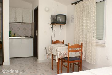 Studio flat AS-4281-c - Apartments Pisak (Omiš) - 4281