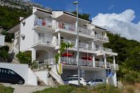Apartments with a parking space Pisak (Omiš) - 4281