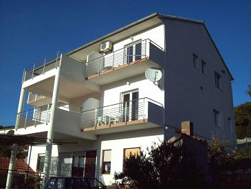 Property Tisno (Murter) - Accommodation 4295 - Apartments near sea.
