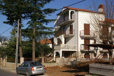 Obiekt Sveti Filip i Jakov (Biograd) - Zakwaterowanie 4299 - Apartamenty ze żwirową plażą.